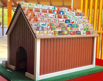 Gift card dog house at the Spring Fling dinner auction